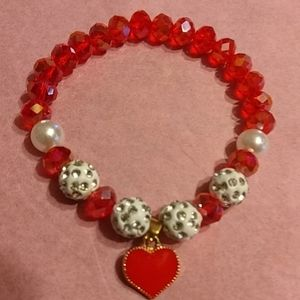Bracelet Heart Beaded Stretch With Heart NWOT